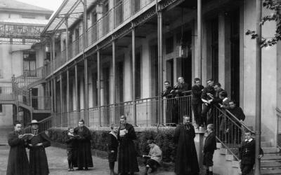 Elèves et professeurs vers 1900